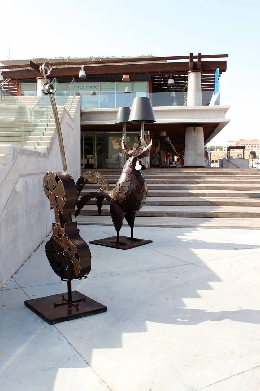 Violín y Gallo Esculturas grandes de hierro