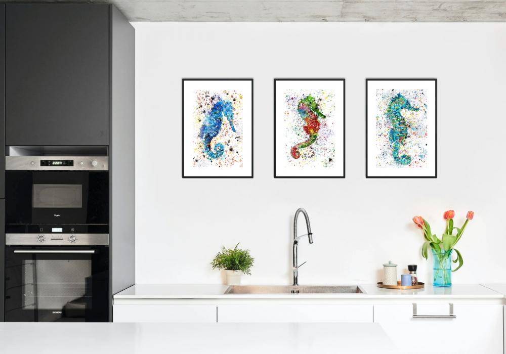 Reproducciones de tres caballitos de mar en cocina. Decora tu hogar. Armonía Figurativa